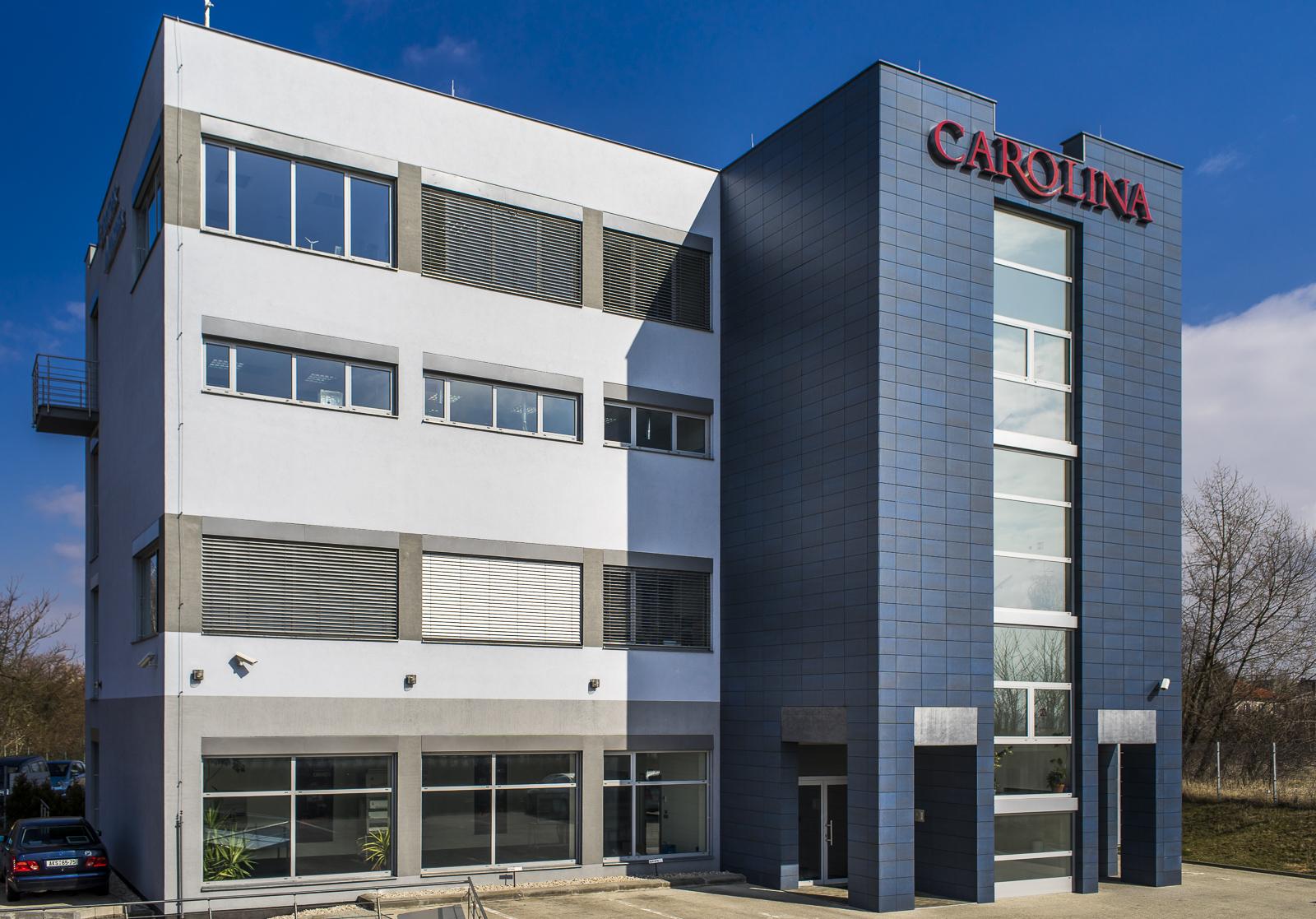 Carolina centrum - pohled z ulice Drnovská